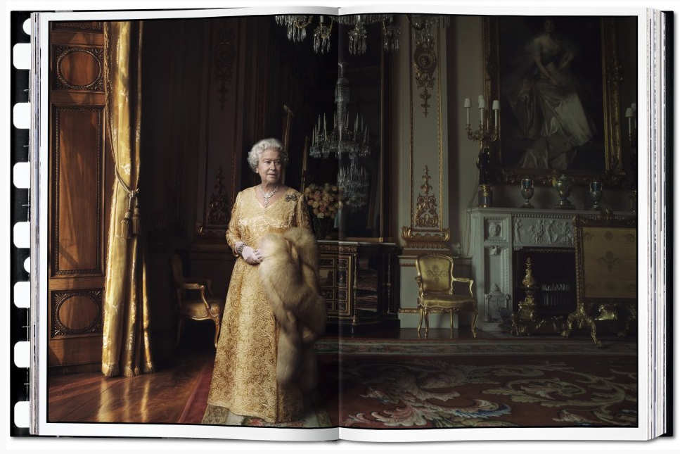 Queen Elizabeth II, The White Drawing Room, Buckingham Palace, London, 2007