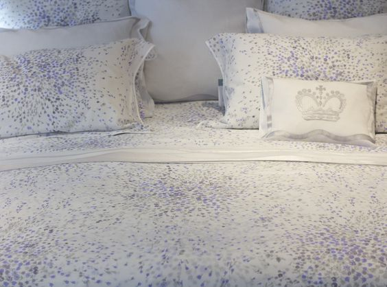 Splatter bedding from D. Porthault.